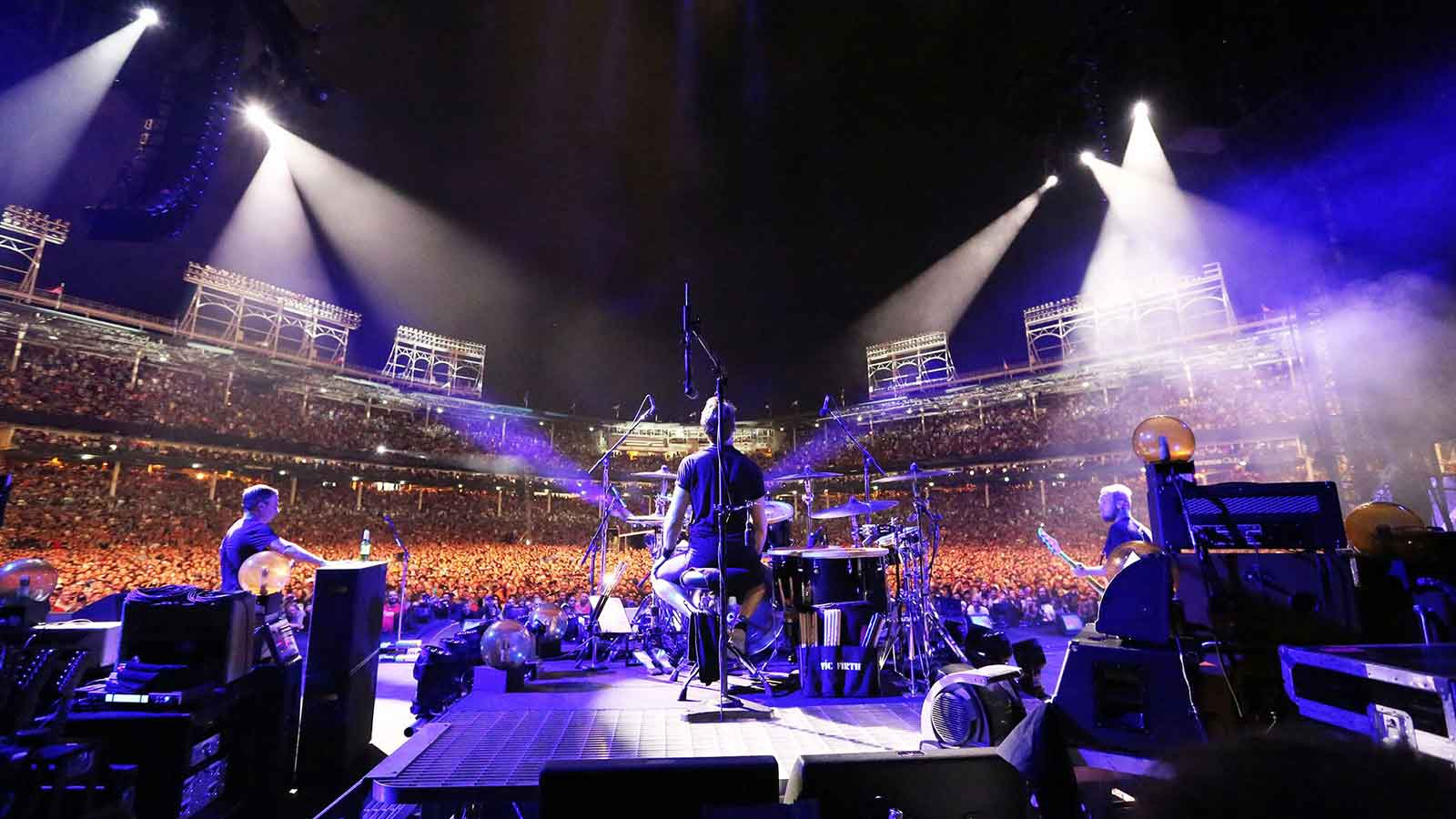 Let's Play Two - Pearl Jam Live at Wrigley Field